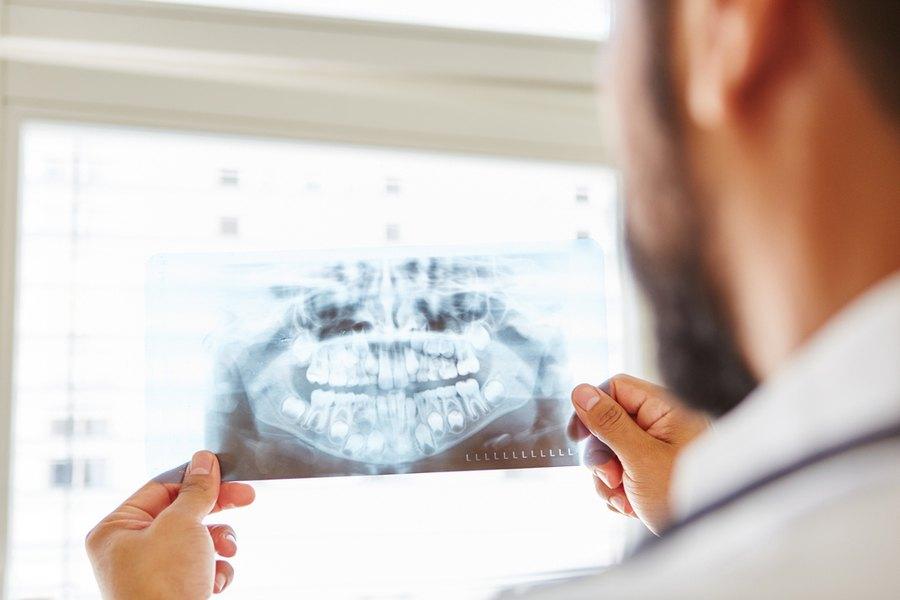 chirurgo-maxillofacciale-bari